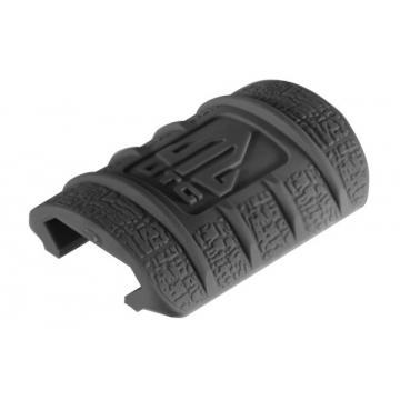 Krytka railu (lišty) UTG (černá, gumová, nízký profil, 12 ks)