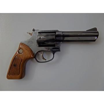 """Revolver TAURUS 941 4"""" (.22 MAGNUM) černý"""